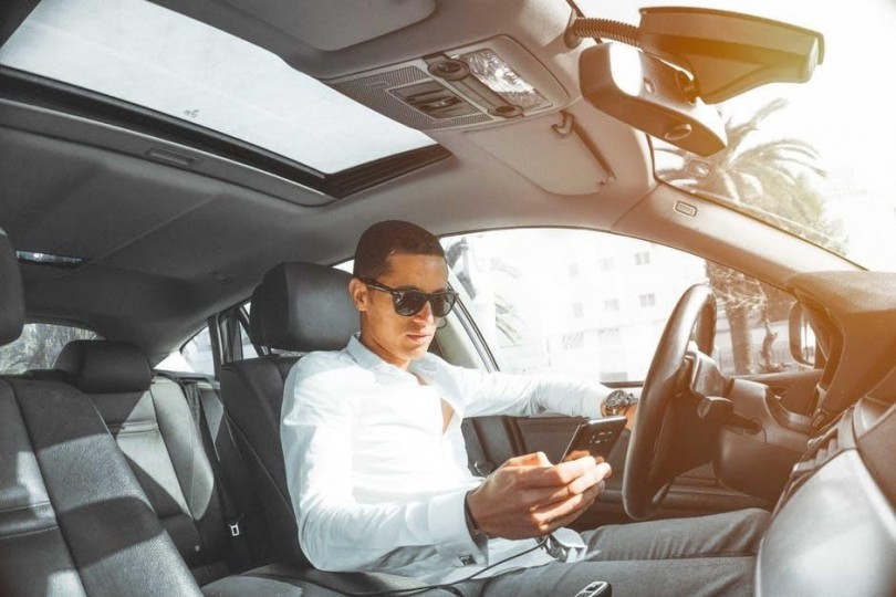 How to Stop Texting and Driving The Top Tips to Know