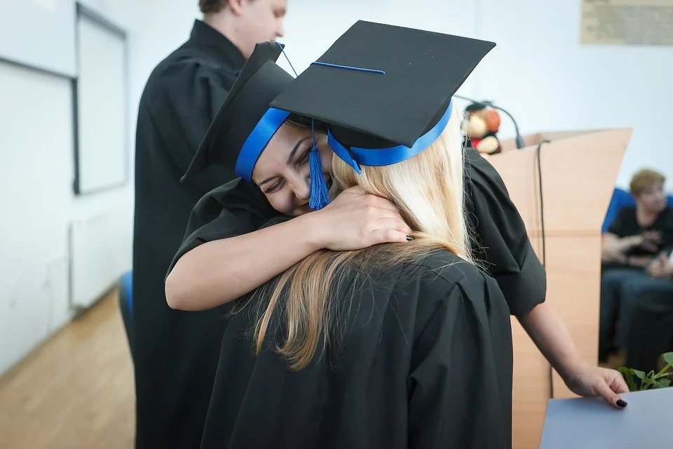 What Can I Do With A Bachelor's Degree In Human Resource Management?