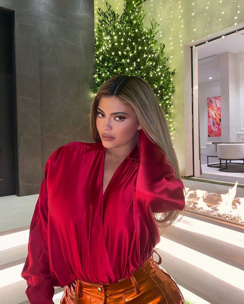 Kylie Jenner Shows Off Her Towering 2020 Christmas Tree