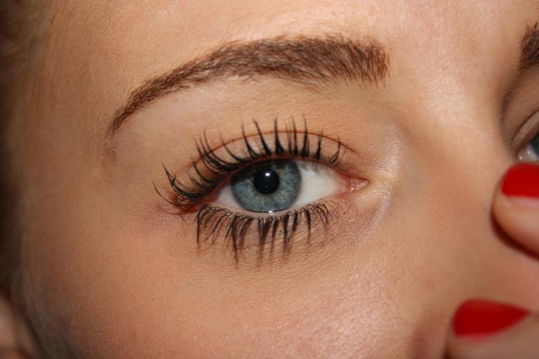 Enhance Any Look With False Eyelashes